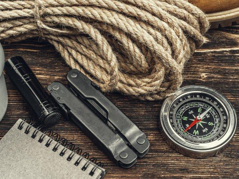 Outdoor Survival Kit Test& Vergleich – großer Kaufratgeber